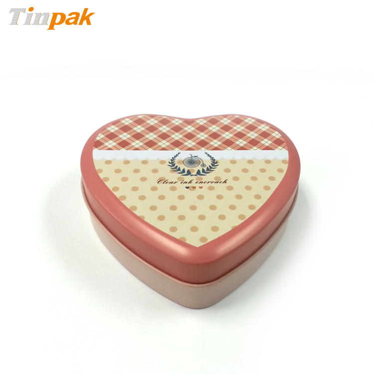 lovely heart chocolate tin can